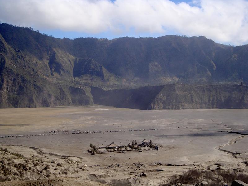 Pura di Kaki Gunung Bromo