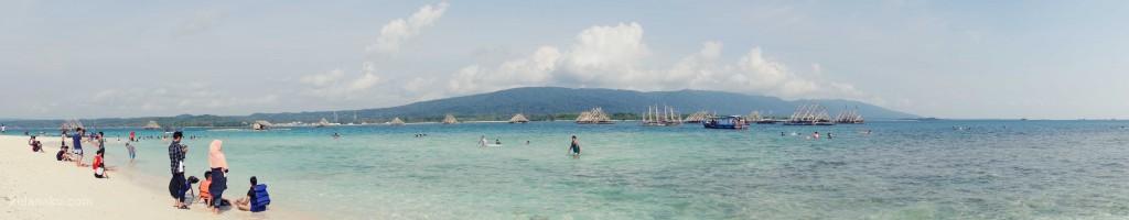 Menikmati Panorama Pulau Oar