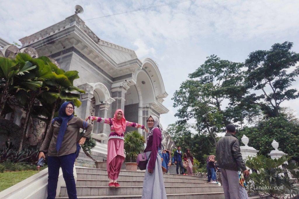Gerbang Kebun Raya Bogor_348