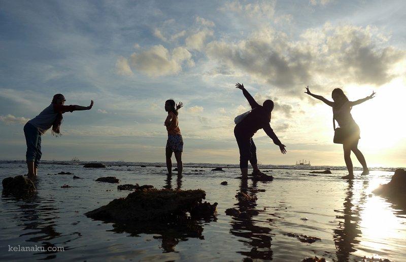 Pantai santai surut