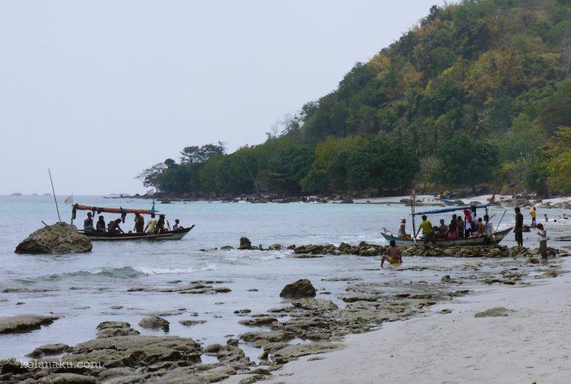 Pantai Batu Hideung