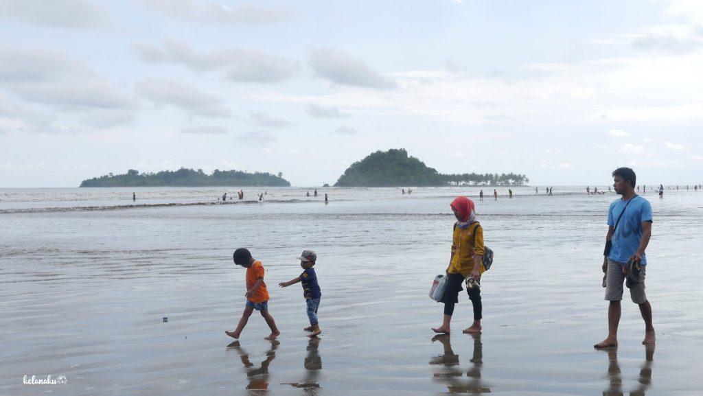 Pantai Air Manis, Wisata Keluarga