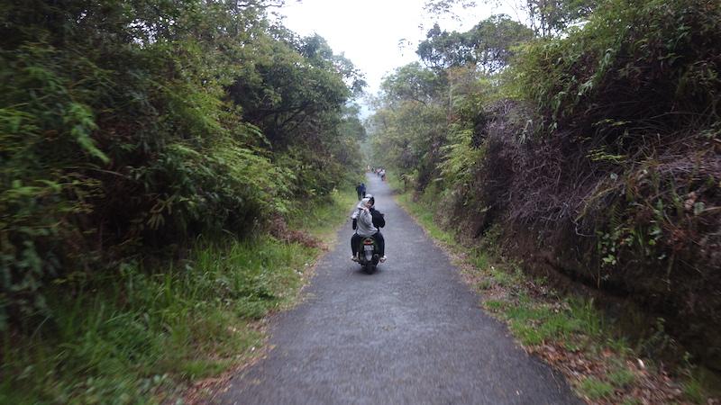 Jalanan menuju Talaga Bodas