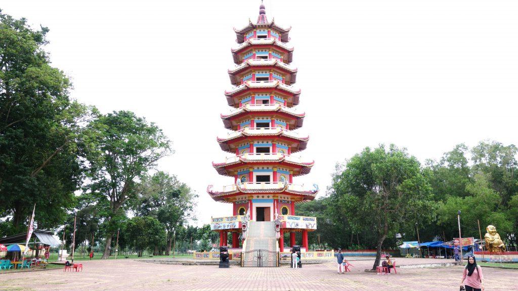 pagoda-di-pulau-kemaro
