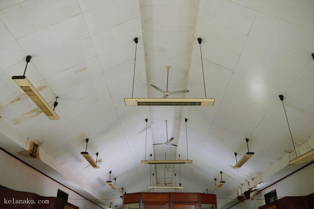 Bagian atap museum_115