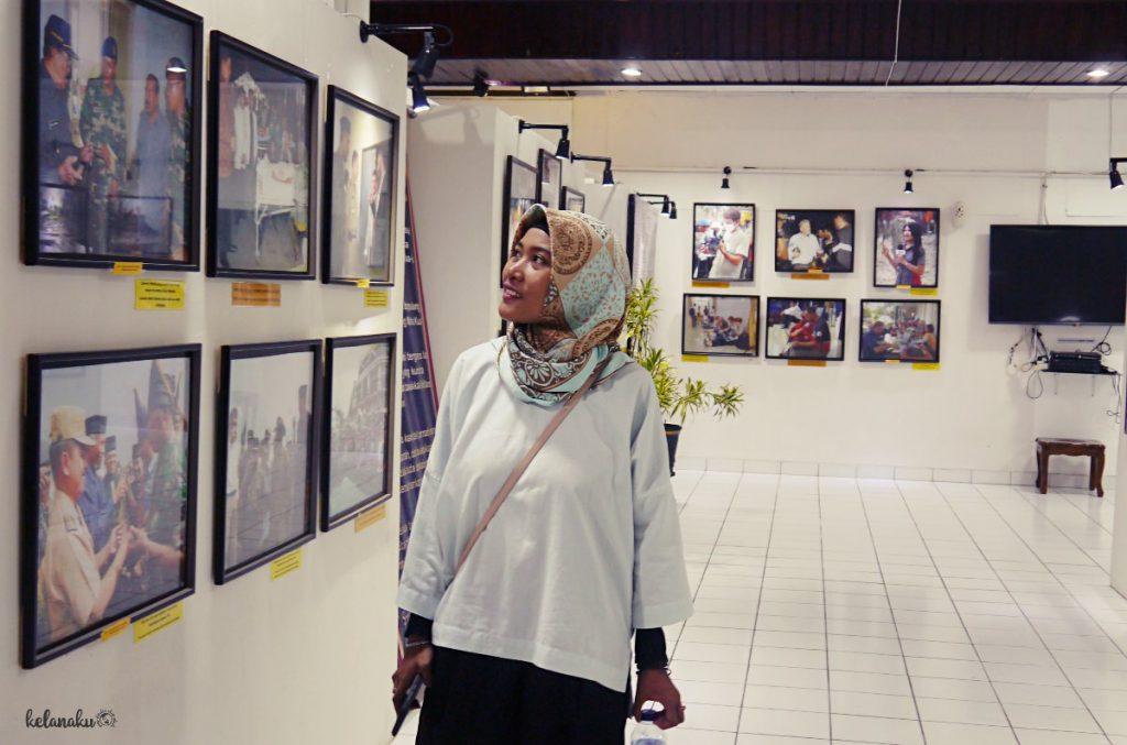 Koleksi foto gempa Padang