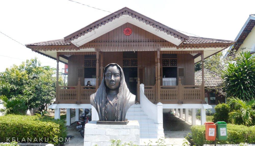 kediaman ibu fatmawati