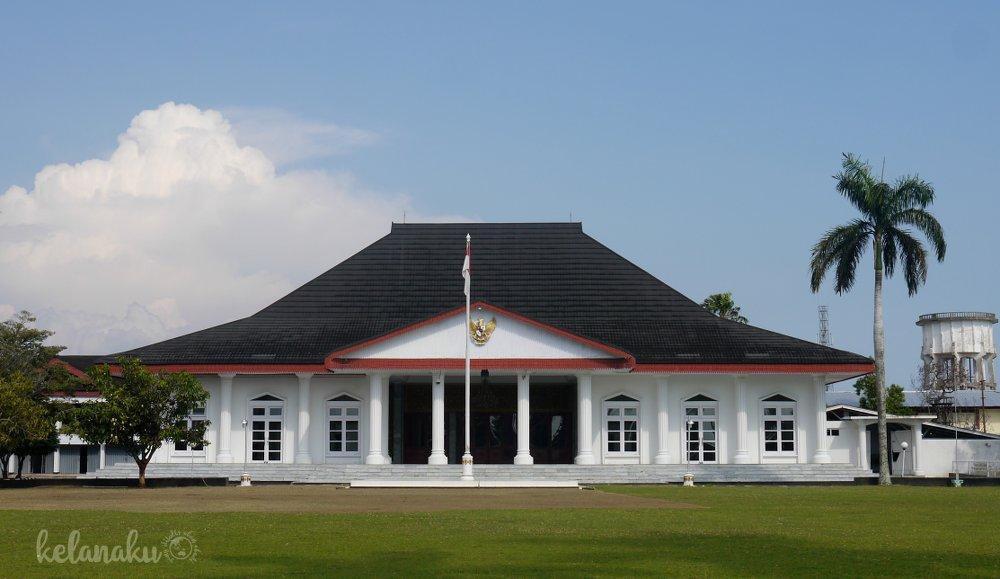 Wisata Bengkulu, Eks Rumah Raffles