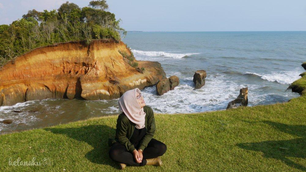 Wisata Bengkulu, Tebing Pantai Padang Betuah