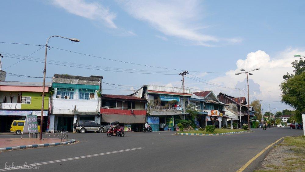 Wisata Bengkulu, Pasar Brokoto/Barakuto